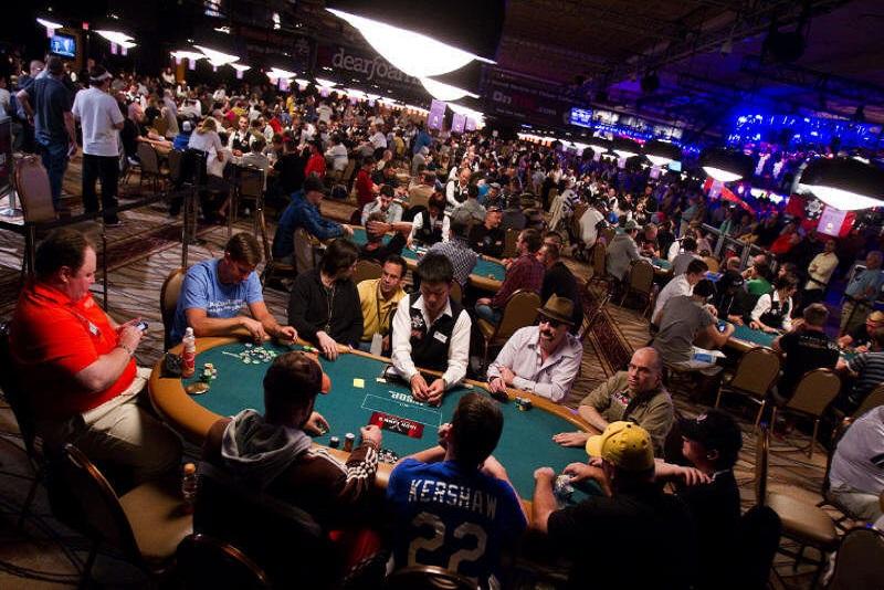 Vị trí trên bàn Poker