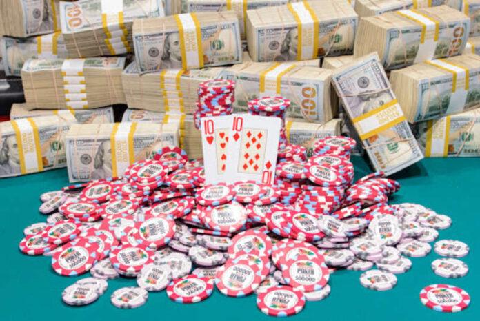 Chơi poker kiếm tiền online